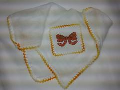 Fralda de Boca - Laço Laranja F019 (SaluArts) Tags: de pano cruz infantil bebê boca ponto paninho fralda fraldinha enxoval
