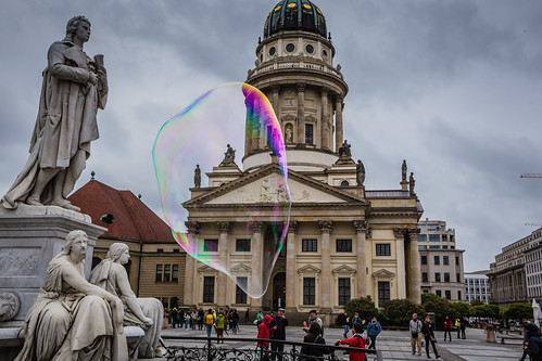 Französischer Dom, Sculptures and Soap Bubble
