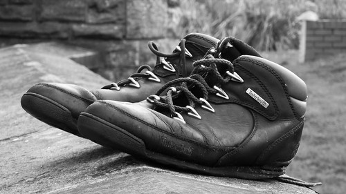 blackandwhite bw monochrome wall scotland blackwhite shoes edinburgh boots promenade portobello laces timberland edimbourg