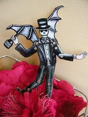 Stephaneflower (Pippypippy) Tags: skull dancing puppet ghost bowtie tuxedo tophat articulated batwings dapper baronsamedi deathhead bwart paperpuppet devilpuppet