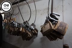 Cadeados (fotografia_cnj) Tags: cadeado prisao cadeados