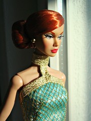 Looking out the window (Deejay Bafaroy) Tags: red portrait rot fashion toys doll barbie it portrt redhead poppy fr royalty parker puppe integrity moodchangers