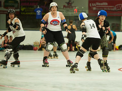 IMG_0450 (clay53012) Tags: ice team track flat arena madison skate roller jam derby league jammer mrd bout flat wftda derby womens track hartmeyer moocon2016