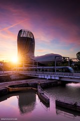 Cité du vin - sunrise - Bordeaux (jubu photographie) Tags: sun france color architecture clouds sunrise canon bordeaux musée vin 163528 5dmk2