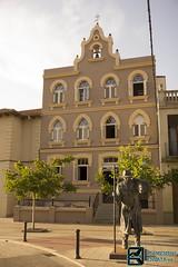 Albergue de Astorga (edmoberti) Tags: church fuente iglesia paisaje chruch castillo pilgrim caminodesantiago peregrino astorga albergue rabanaldelcamino hospitaldeorbigo pregrino