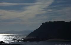 Mutriku Gipuzkoa (Ivan Mauricio Agudelo Velasquez) Tags: cloud spain cabo playa reflejo vasco ria nube acantilado