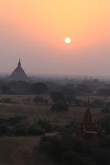 2016myanmar_0415 (ppana) Tags: bagan alodawpyay pagoda ananda temple bupaya dhammayangyi dhammayazika gawdawpalin gubyaukgyi myinkaba wetkyiin htilominlo lawkananda lokatheikpan lemyethna mahabodhi manuha mingalazedi minochantha stupas myodaung monastery nagayon payathonzu pitakataik seinnyet nyima pagaoda ama shwegugyi shwesandaw shwezigon sulamani thatbyinnyu thandawgya buddha image tuywindaung upali ordination hall