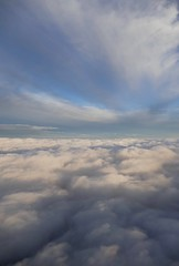 ber den Wolken / above the clouds (roli_b) Tags: ber den wolken berdenwolken wolke cloud clouds above flying fliegen blauer himmel cielo azul storm wind windy weather wetter windig blue sky