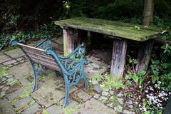 Harleyford Road Community Gardens-6 (Out To The Streets) Tags: wood green london garden desk seat hedge shrubbery opengardens bemch 2016 ogsw opengardens2016 ogsw16 harleyfordroadcommunitygardens 20160618
