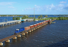 413, Stuart, 20 June 2016 (Mr Joseph Bloggs) Tags: railroad train coast gm florida merci fort railway cargo stuart goods east pierce local bahn freight emd fec gp402