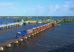413, Stuart, 20 June 2016 (Mr Joseph Bloggs) Tags: fec stuart fort pierce local goods freight cargo merci train bahn florida east coast railroad railway emd gm gp402 920 fec920