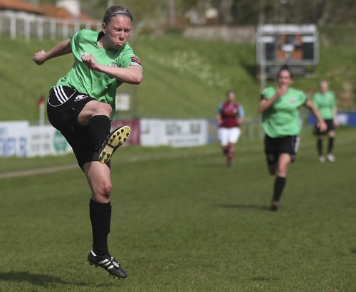 Lewes Ladies v West Ham 5 5 2013 6464