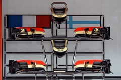 2013 GP F1 Spain. Composition with Lotus noses . DSC_4531e (antarc) Tags: barcelona composition de one 1 spain nikon with lotus walk grand f1 pit prix lane formula gran catalunya noses circuit gp pitlane montmel formule 2013 d7000
