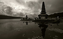Pura Ulun Danu Bratan Bali (visionhunter) Tags: bw bali lake nature beautiful clouds canon indonesia temple eos see asia southeastasia natur wolken sw monochrom sephia indonesien tempel balinese schwarzweis puraulundanu 40d tamron1024 visionhunter
