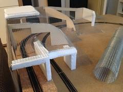 Berbgbau der Rohbau steht - 2 (MR-Fotografie) Tags: berg tt platte holz modelleisenbahn 1120 draht modellbahn bergbau modellieren tillig mrfotografie