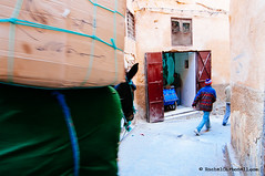Horse carrying big and heavy boxes through the streets of Fez el Bali. Fez, Morocco, Imperial city, World Heritage (achel cabonell) Tags: africa street city travel people urban horse man animal outdoors alley box streetphotography donkey viajes morocco fez alleyway maroc medina marruecos moroccan carrying worldheritage travelphotography imperialcity traditionalclothing colorimage documentaryphotography fotografiadocumental moroccanculture fezelbali fotografiadeviajes rachelcarbonell