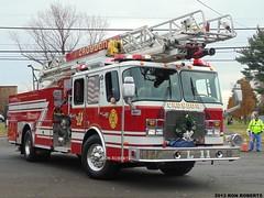 Ladder 11 (Engine 907) Tags: truck bristol fire one pennsylvania firetruck company ladder emergency croydon township quint eone
