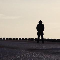 in da hood (kann's einfach nicht lassen...) Tags: light man silhouette square licht angle jan unterwegs mann enroute quadratisch onderweg neeltjejans fernweh blickwinkel oppad ansichtsache soschn