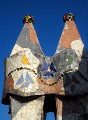 Chimney close-up on roof terrace of Casa Batll by A. Gaudi - Barcelona (Sokleine) Tags: barcelona architecture spain ceramics modernism catalonia unesco roofs espana artnouveau gaudi espagne casabatllo unescoworldheritage chimneys barcelone toits roofterrace chemines catalogne