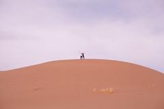 On top of the sand dune   Iran (ReinierVanOorsouw) Tags: travel canon persian sand asia desert iran persia 5d canon5d iranian ایران asya pers zand azië iraan иран persien islamicrepublicofiran irão westasia 伊朗 5dmarkii 페르시아 canon5dmarkii իրան beyondbordersmedia персија ፋርስ l'iran deriran