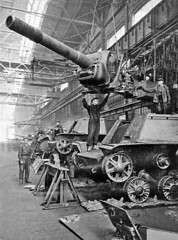 Building the Russian SU-152 in the USSR 1940s