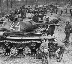 "Soviet KV-1 • <a style=""font-size:0.8em;"" href=""http://www.flickr.com/photos/81723459@N04/16412127950/"" target=""_blank"">View on Flickr</a>"