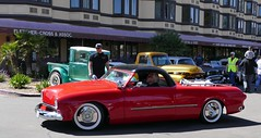Bob Dron driving the restored 1949 Ford Joe Bailon Custom (bballchico) Tags: ford convertible restored chopped custom 1949 shoebox sectioned santamariainn joebailon westcoastkustomscruisinnationals bobdron shampootruck bettyelizabethshampoo horacedavi