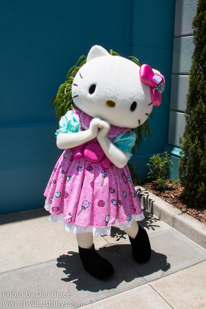 4e1d46f1a Hello Kitty at Disney Character Central