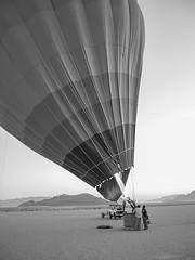 Oliver Bruns-12.jpg (oliverbruns) Tags: morning bw early wadirum balloon earlymorning jordan rum wadi