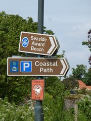 This Way Folks (Brian Cairns) Tags: saintandrews cambo fifecoastalpath kingsbarns brianbcairns therockandspindle buddoroack