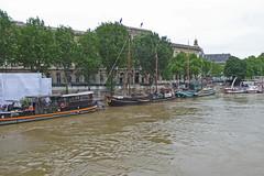 2016.06.02.067 PARIS - La Seine en crue au port des Saints Pres (alainmichot93 (Bonjour  tous)) Tags: paris france seine eau ledefrance fleuve crue laseine 2016