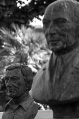 Kpfe (grasso.gino) Tags: italien italy monochrome nikon italia head figure marche marken figur kopf schwarzweis d5200