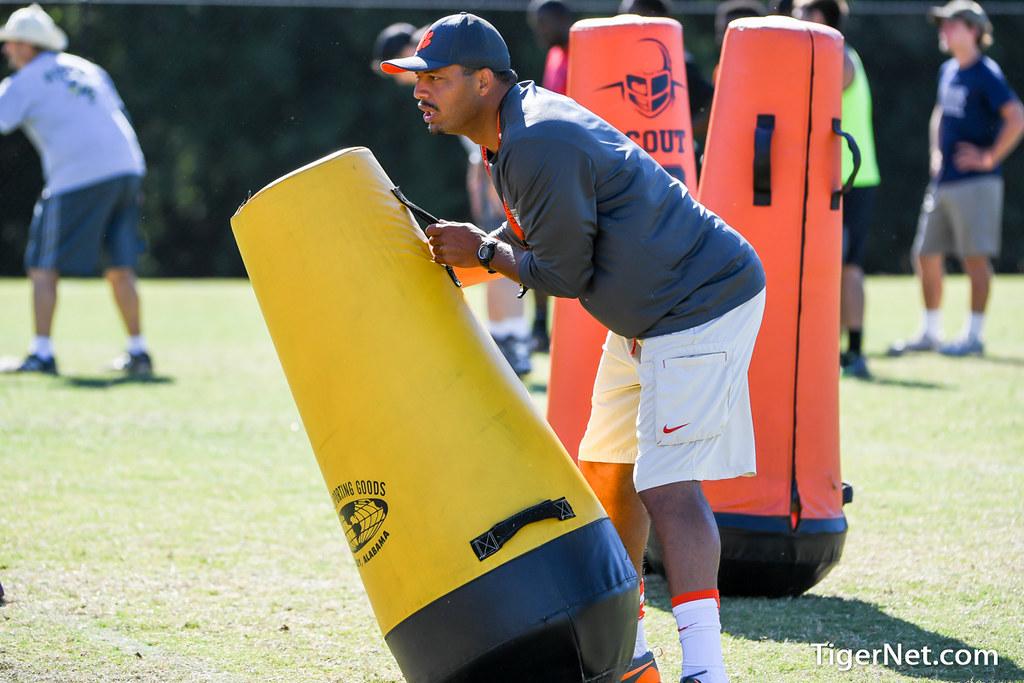 Clemson Photos: Tony  Elliott, 2016, Recruiting