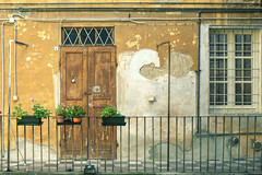 Via dei 2 Gobbi (Ale*66*) Tags: windows wall doors porte muri balcone reggioemilia finestre