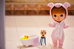 Hora do banho/ Bath time :: Aime - Blythe Pow Wow Poncho (Custom Simone Albergaria) (Agatha Bonaiuti (Hta)) Tags: bonecas dolls redhead blythe custom ruiva powwowponcho
