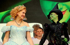 Savannah Stevenson and Emma Hatton (Raquel Cherelle) Tags: west london square theatre live emma stevenson musical wicked end savannah hatton 2016 tarafalgar