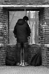 Giulietta e Romeo (yrotori2) Tags: street italy strada italia photos bn verona streetphoto rue rues italie ville citt streetphotos amoureux fiances innamorati fidanzati instrada