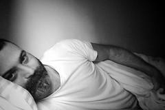 Winter Morning... Lazy! (Billy W Martins ) Tags: bear morning winter man beard bed eyes olhos lazy resting cama inverno preguia homem pretoebranco barba urso manh selfie descansando preguioso