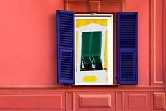 Stavi riflettendo? (meghimeg) Tags: windows reflection buildings colours chiavari colori palazzi riflesso finestre 2016 spiegelungen