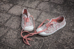 Pink (Alexis Cayot) Tags: 5d basket ef girl chaussure 28 rose pink 2470 eos alexis cayot canon l markii shoes
