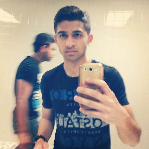 A mirror is my biggest distraction. #hussain #hussainasif #asif #dhoombros #dbnation #db