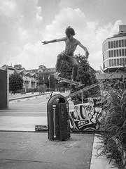 I get the feeling that I'm doing what's right (fedeskier) Tags: june torino day skateboarding 21 go ollie skate piazza giugno turin riunione manifestazione fusi valdo