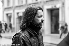 En Madrid. (luisephoto) Tags: madrid street espaa europa gente retratos hombre robados