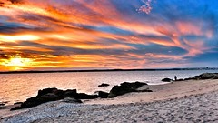 Heaven has different signs to me (Phoenix_16) Tags: pink sunset sky color nature water skyline canon evening rocks bright horizon coth coth5