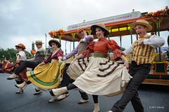 Happy dance (ddindy) Tags: trolleyshow mainstreetusa magickingdom waltdisneyworld disneyworld disney orlando florida mainstreettrolleyshow