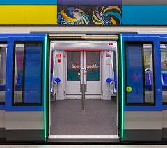 C2 entrance (Woodpeckar) Tags: light color germany underground subway munich münchen bayern publictransit metro illumination siemens ubahn c2 mvg eos5d georgbrauchlering ubahnmünchen swm woodpeckar 5dii