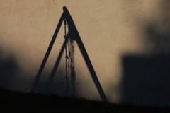 Rve d'enfance (GwiR) Tags: shadow childhood swing ombre enfance balanoire