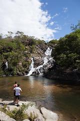 CO_Pirenpolis0233 (Visit Brasil) Tags: vertical brasil natureza cachoeira pirenpolis gois vegetao centrooeste comgente diurna reservaecolgicavargemgrande