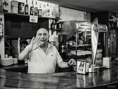 A reveure Ximo (Miramiquel retratista) Tags: bar tapas bodegn barra birra ximo tabernculos retratista a parroquianos reveure miramiquel taberncolas