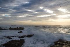 Cabo Silleiro (dfvergara) Tags: atardecer mar cabo agua cielo nubes olas rocas espuma silleiro cabosilleiro
